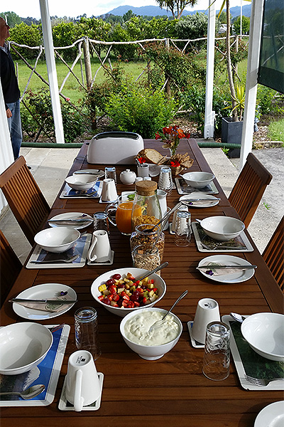 Bed and Breakfast Coromandel - Jacaranda Lodge - Table Spread